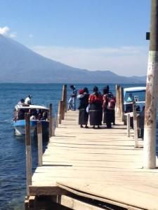 Aventura en el lago Atitlan para nuestros voluntarios en guatemala