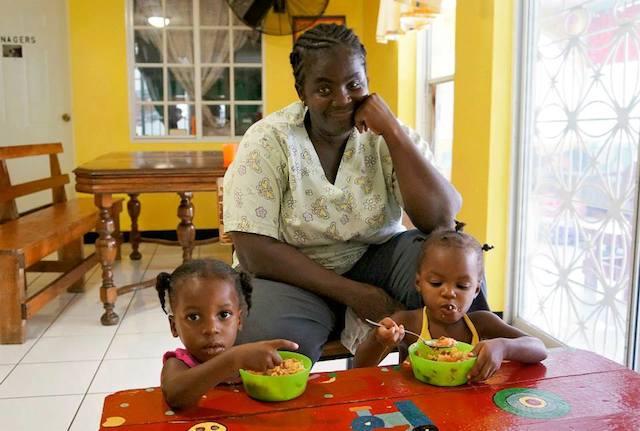Programa de voluntariado con niños en orfanatos de Jamaica